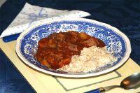 Rinderfilet und Kartoffeln in rotem Curry